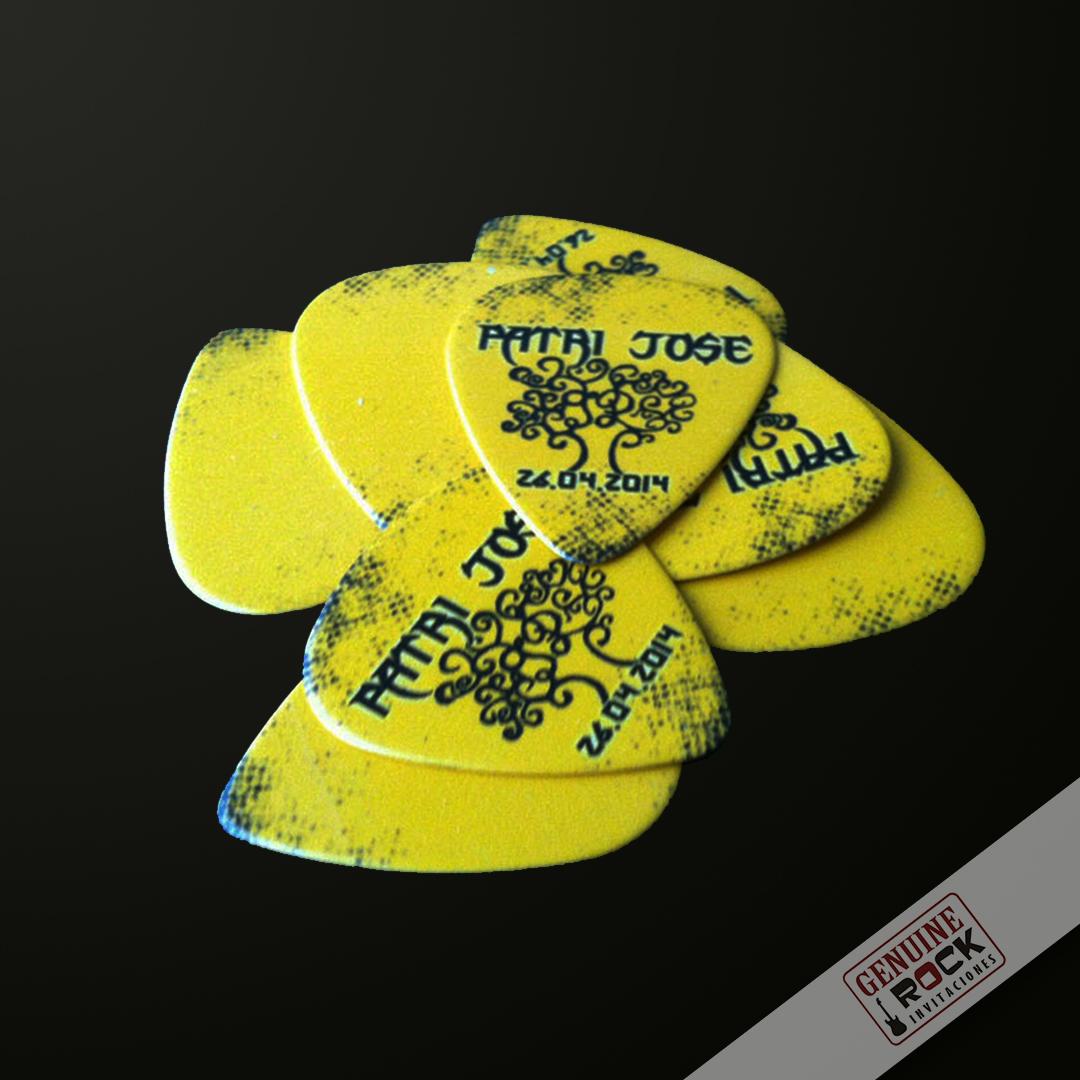 puas-personalizadas-detalles-monton-puas-amarillas